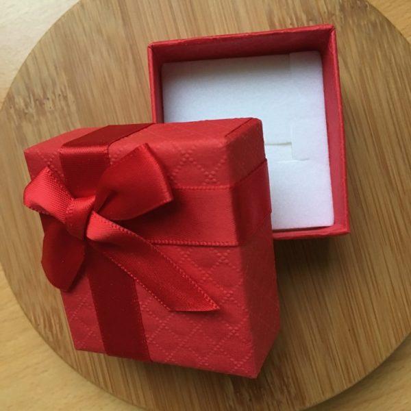 Červená krabička s mašľou M0595 3