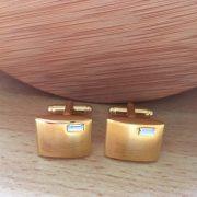 Manžetové gombíky M0185 Zlté s kamienkom vhodné aj na gravírovanie 3