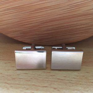 Manžetové gombíky M0825 Strieborný obdĺžnik vhodný aj na gravírovanie 4