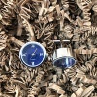 manžetové gombíky hodinky modre zboku