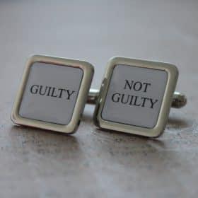 manžetové gombíky pre právnika