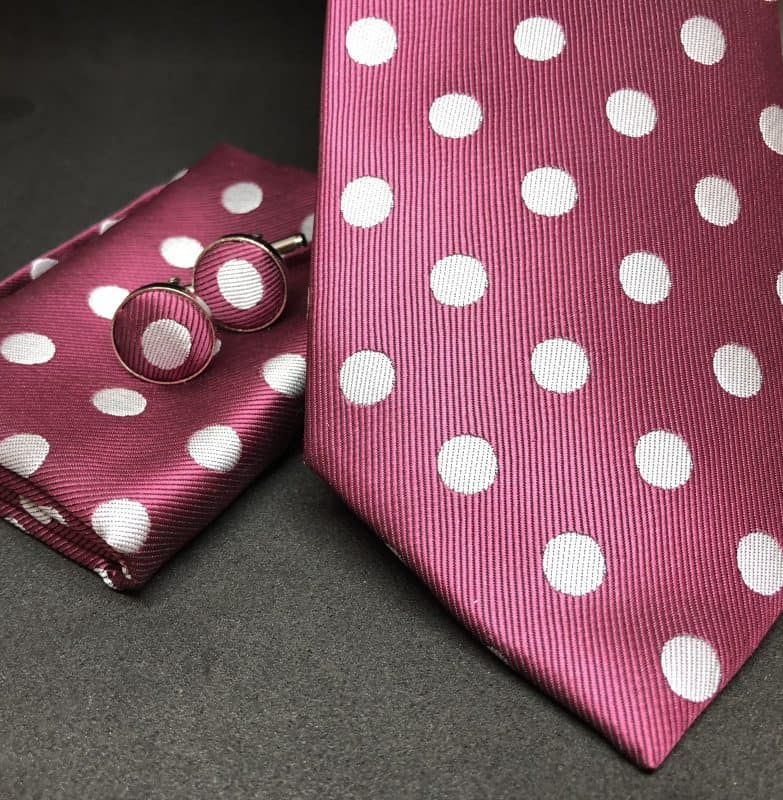 bodkovana kravata