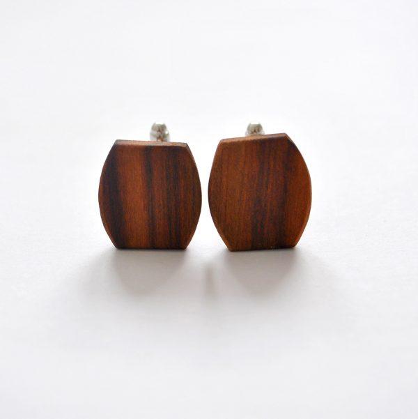 drevene manzetove gombiky slivka 2-min
